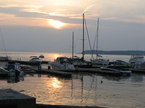 Lake_champlain_sunset_2